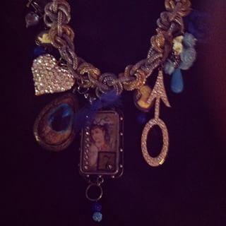 Allison Nicole @rosejewelsboutique Instagram profile - Pikore