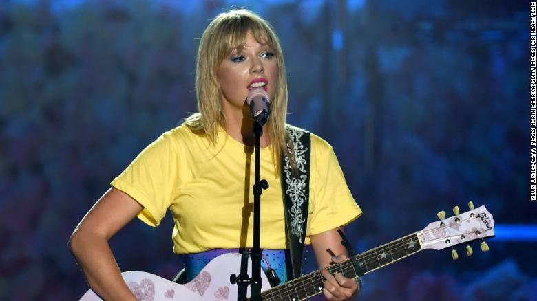 Park Art|My WordPress Blog_Taylor Swift Artist Of The Decade Speech