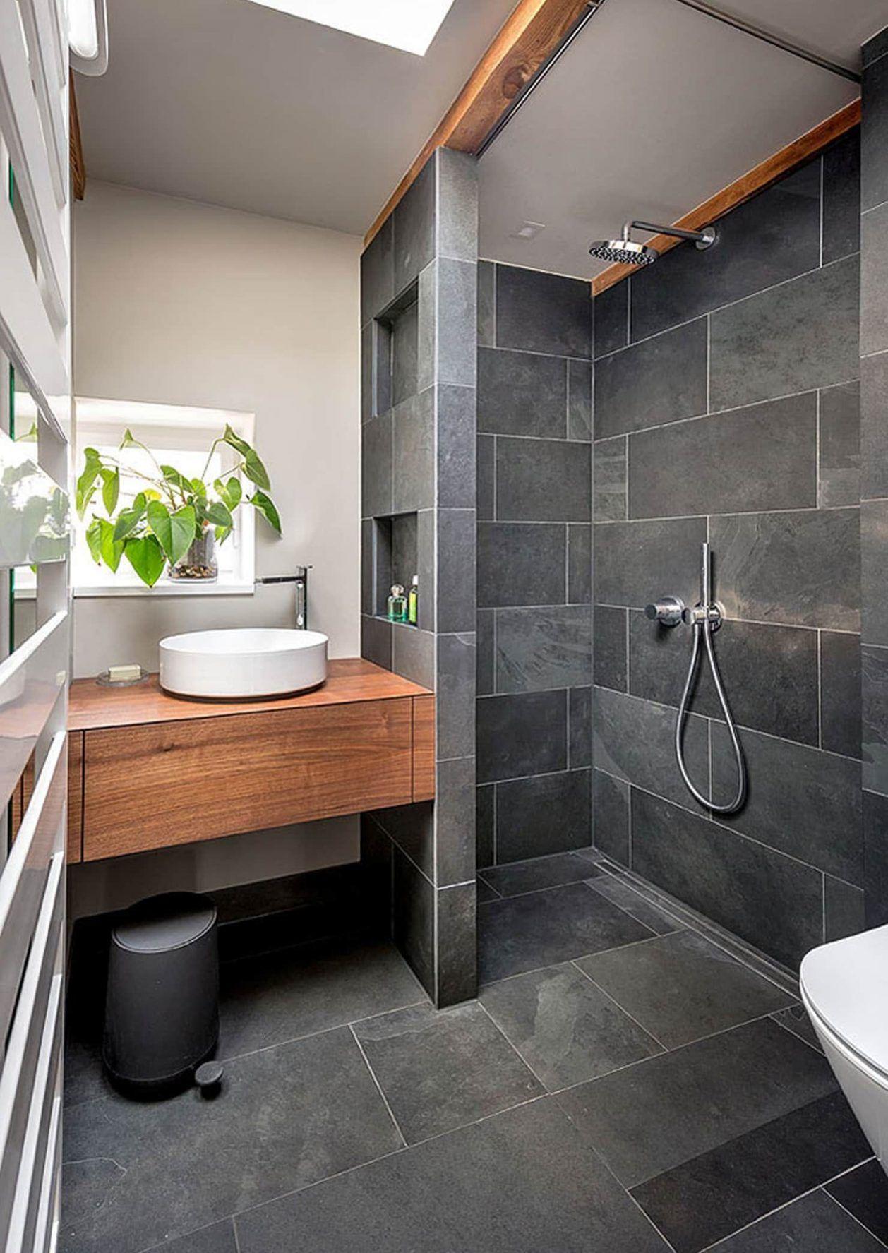 Hier Trouves Du Fotos Von Einrichtungsideen Lass Dich Inspirieren Badezimmer Schwarz Minimalistische Bader Minimalistisches Badezimmer