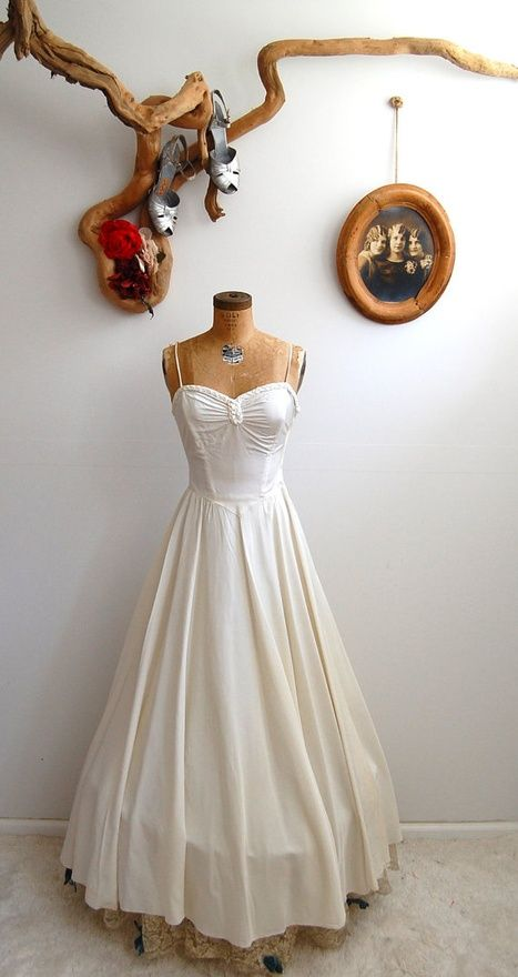 Vintage 1930s wedding dress wow I like this one!   Family ...