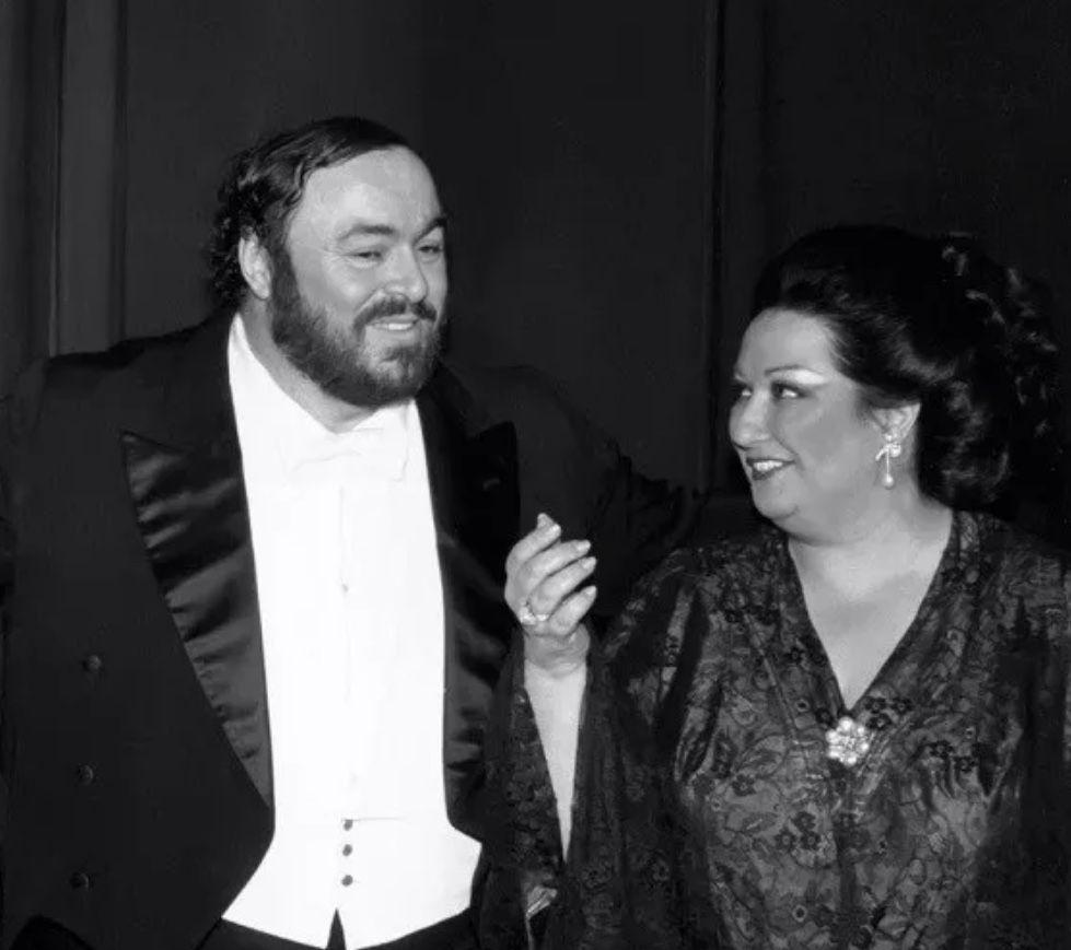 Luciano Pavarotti And Montserrat Caballe Opera Singers Singer Sopranos