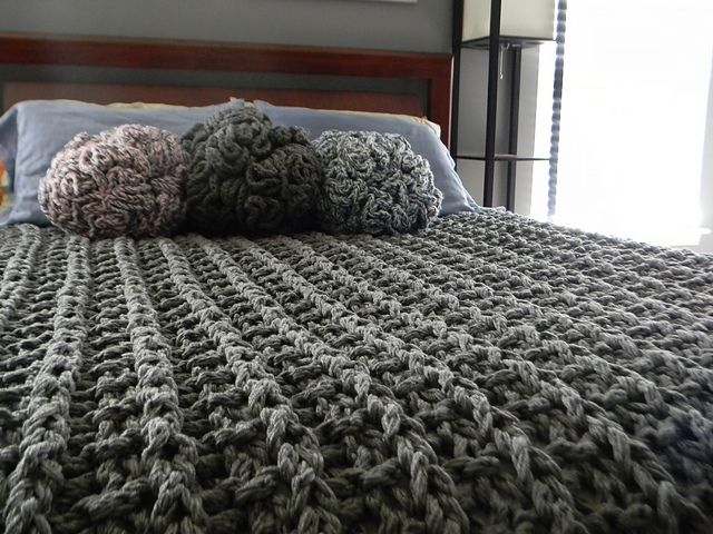 Giant Super Chunky Knit Blanket pattern by Theresa Boyce