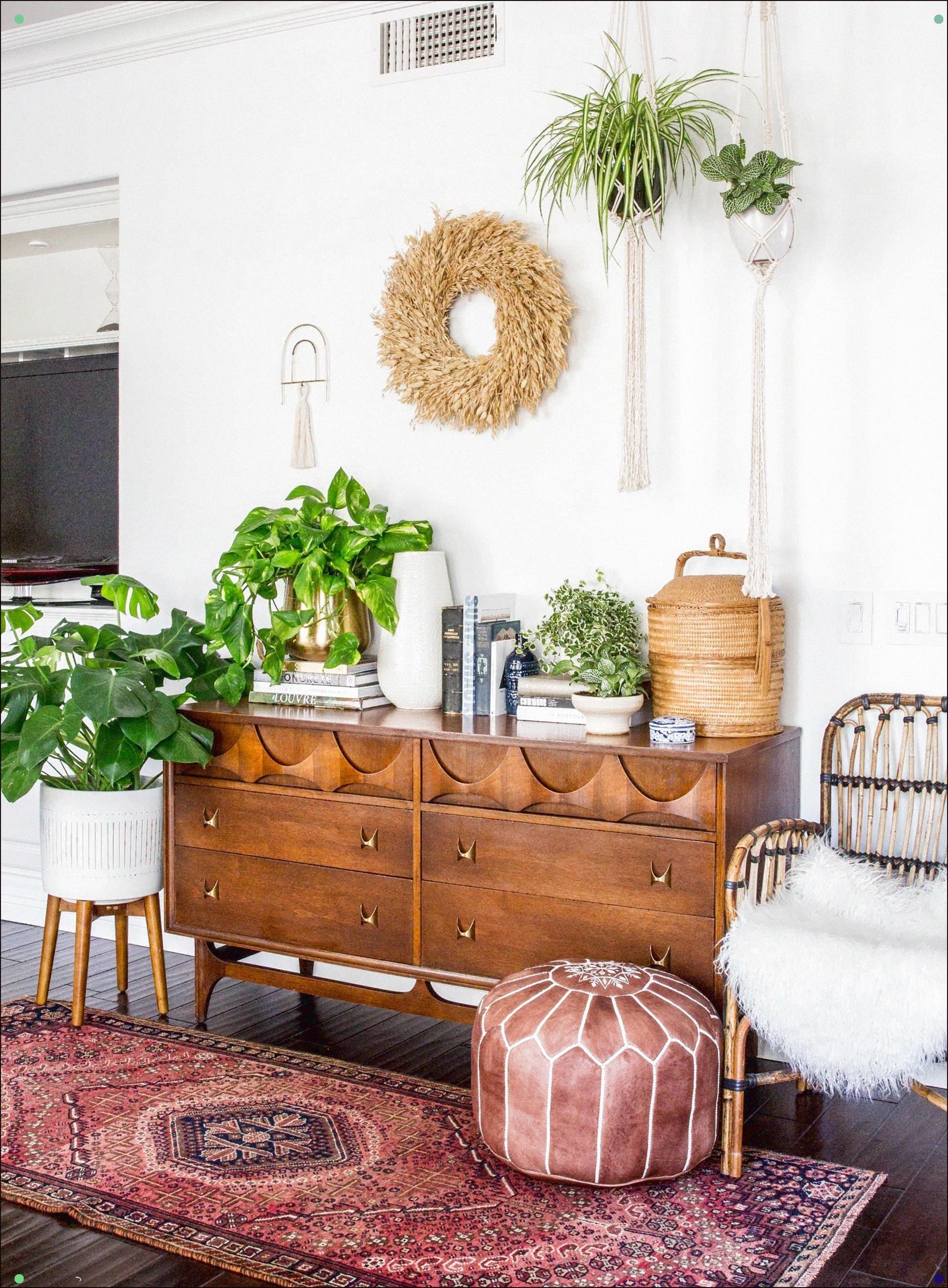 Spring Florals And Plants For Your Home Anita Yokota Ready For Some Color And Bright Accessories I Home Decor Retro Home Decor Interior Design Living Room Warm Living room decor accessories