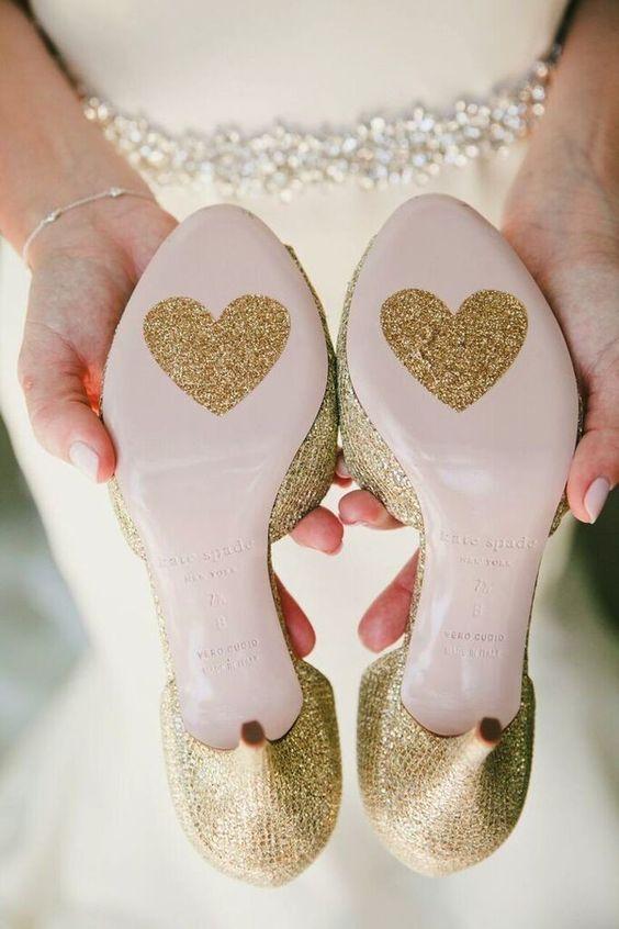Fun wedding shoes idea #hochzeit #schuhe #herz