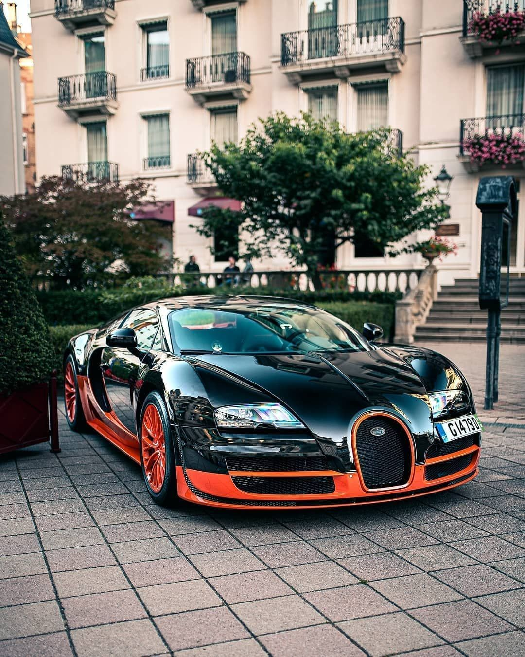 B U G A T T I On Instagram Great Pictures Of Supersport Wre Photos By Carpitalbrothers Bugatti Veyron Supe Bugatti Bugatti Company Bugatti Chiron
