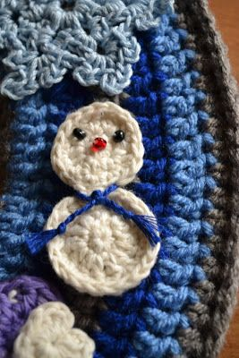 Photo of Fly the Coop Crafts: Double Crochet Wreath Instructions – WINTER! snowman patter…