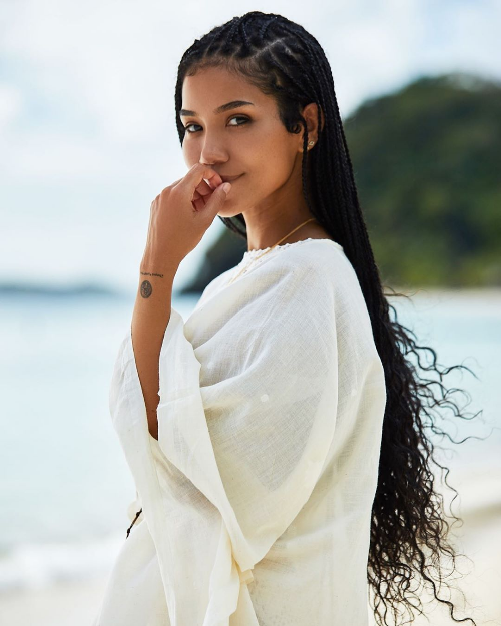 Jhené Aiko Credits This Completely Free Thing With Glowing Skin (And It's Not Water)