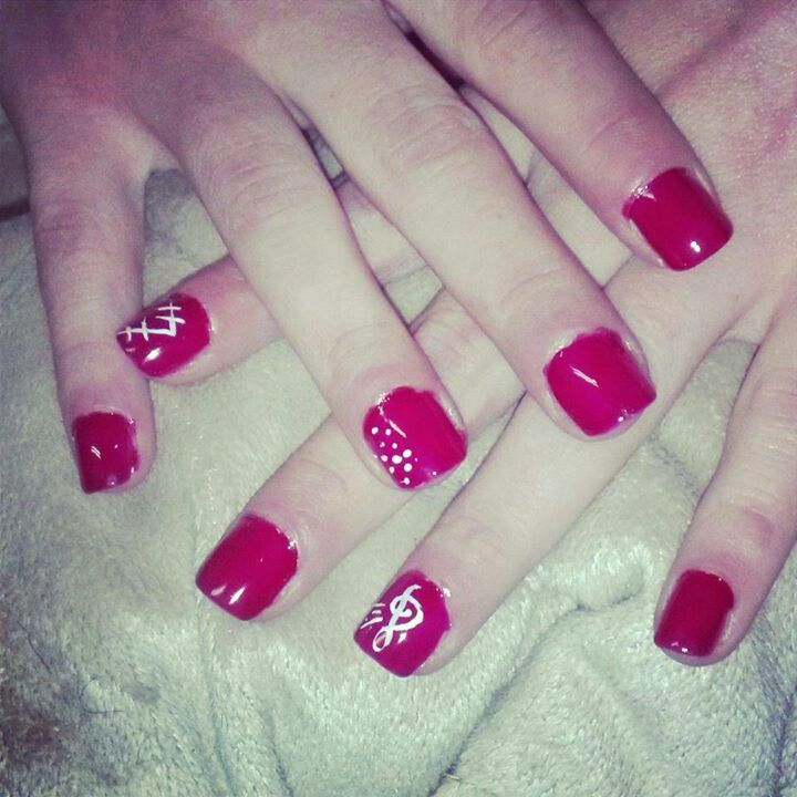 Red is always to die for, love these simple design. Im going to have to re-do this idea.