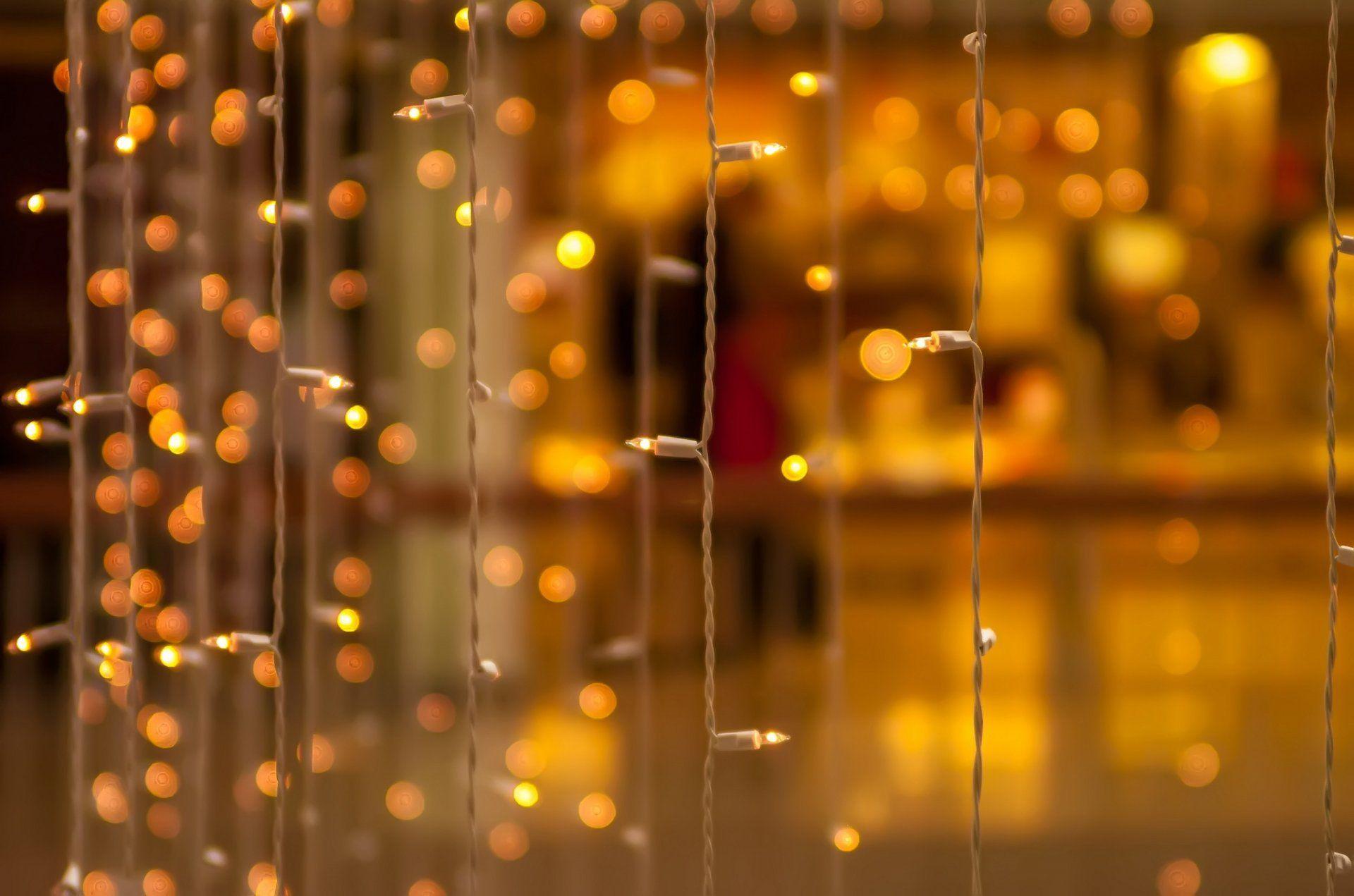 Shubham 3d Wallpaper Close Up Garland Bulbs Bokeh Yellow Blur Bokeh Decoration