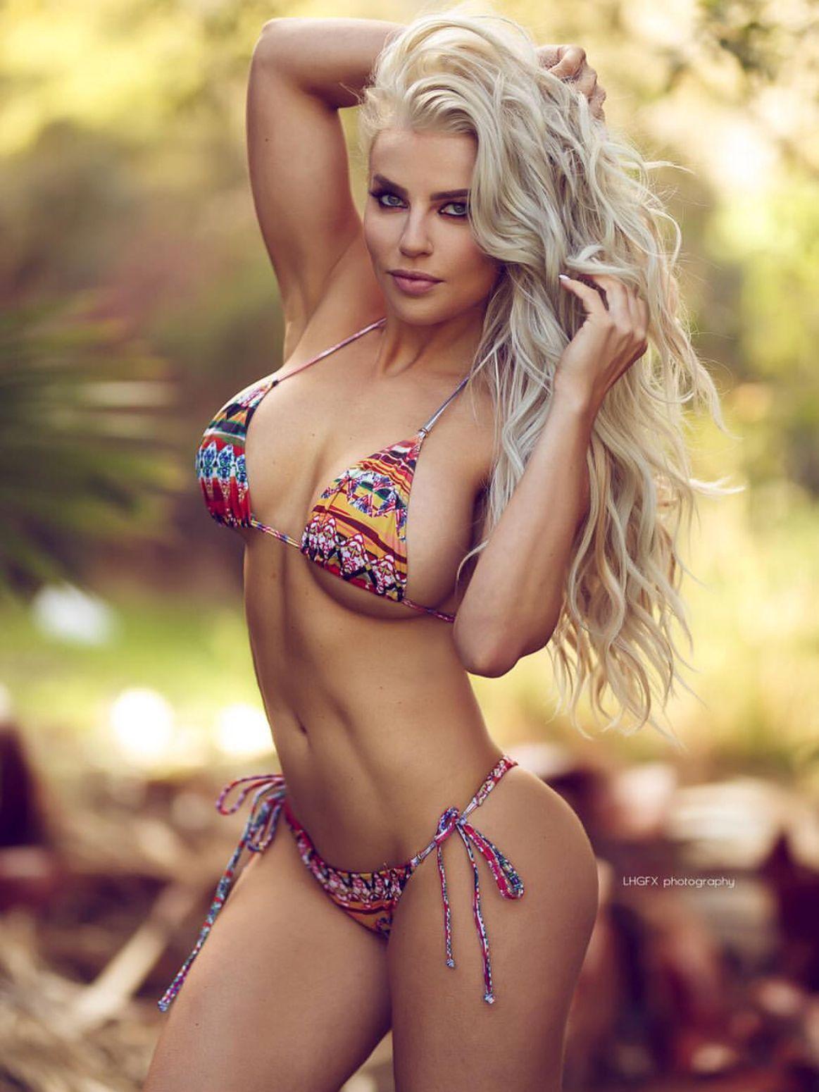 Holly Barker Nude Photos 52