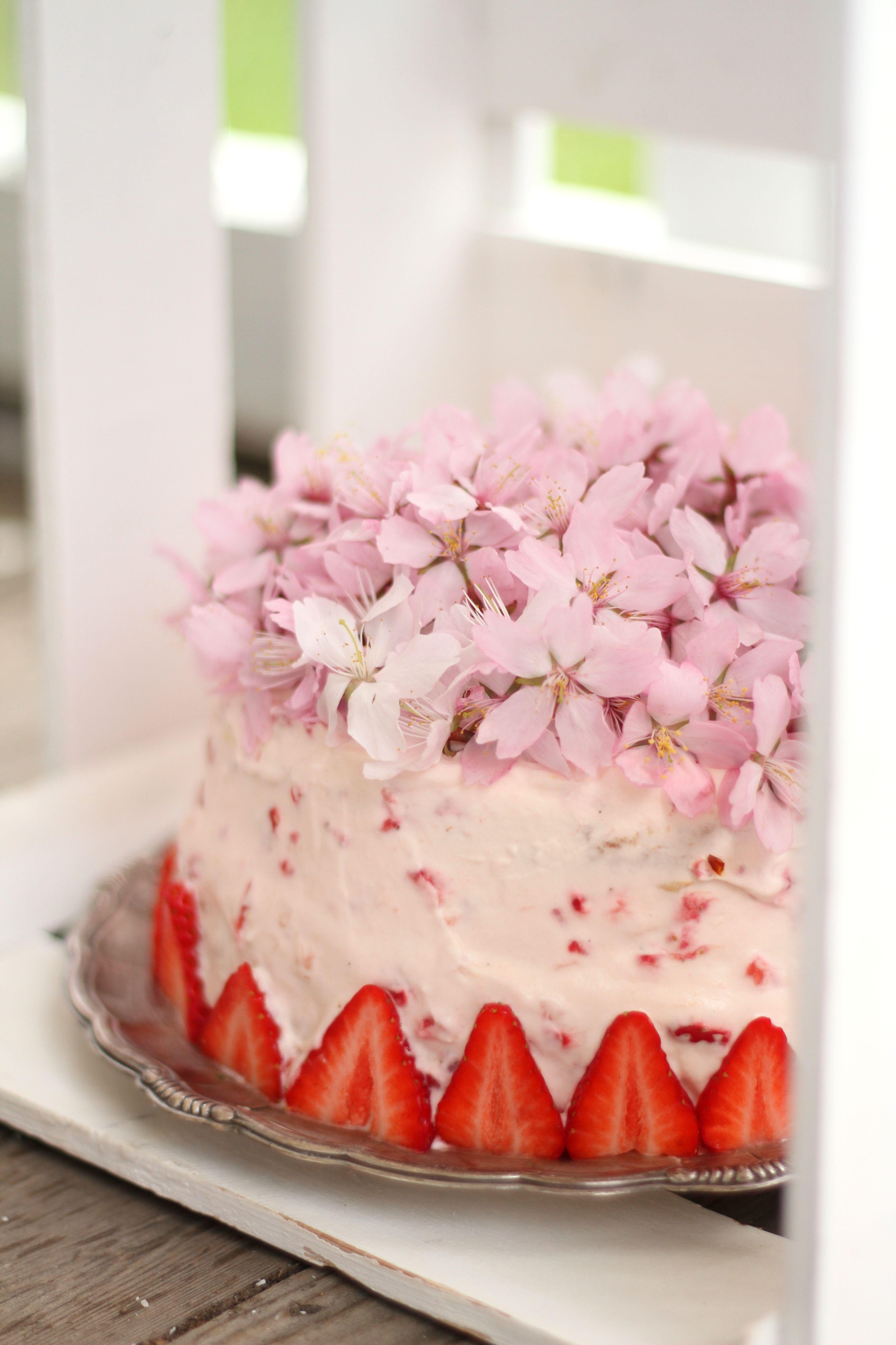 d2fcf3418481 Himmelsk Jordgubbstårta | Fridas bakblogg | Tårta | Tårta recept ...