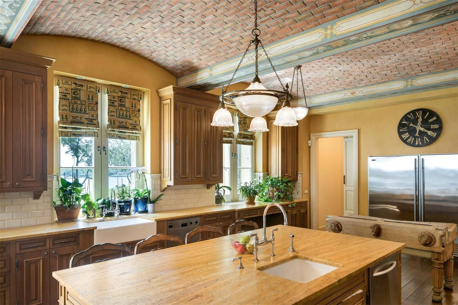 High Point Estate a luxury home for sale in Middletown