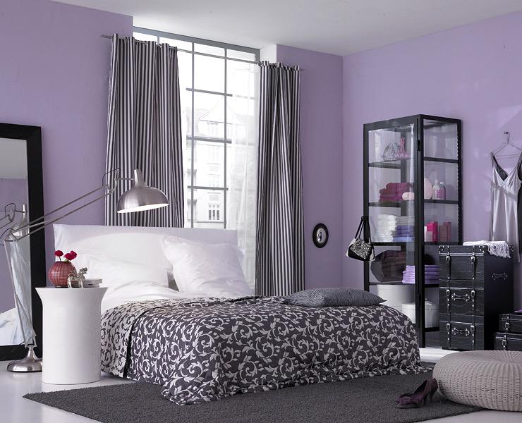 Schlafzimmer In Flieder In 2020 Buntes Schlafzimmer Schone