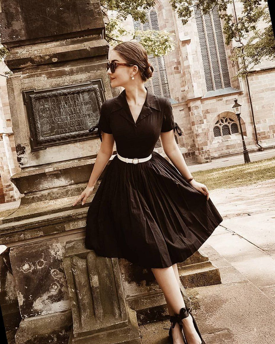 39 Vintage Soul Shirin Altsohn On Instagram Ad Werbung Unpaid A Chignon A Little Black In 2021 Vintage Inspired Outfits Vintage Dresses Little Black Dress [ 1161 x 928 Pixel ]