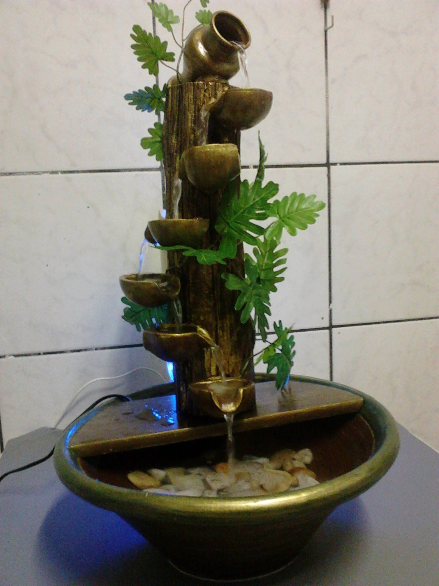 Fonte de Água em tronco de árvore seca - Lúmen Artes Ateliê