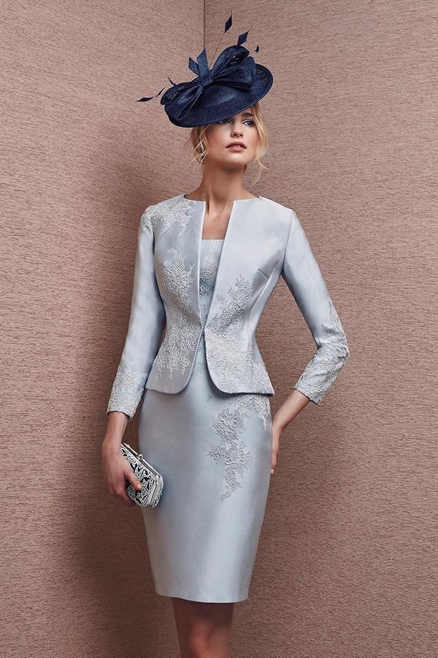 Traje de vestido y chaqueta de madrina color plata realizado