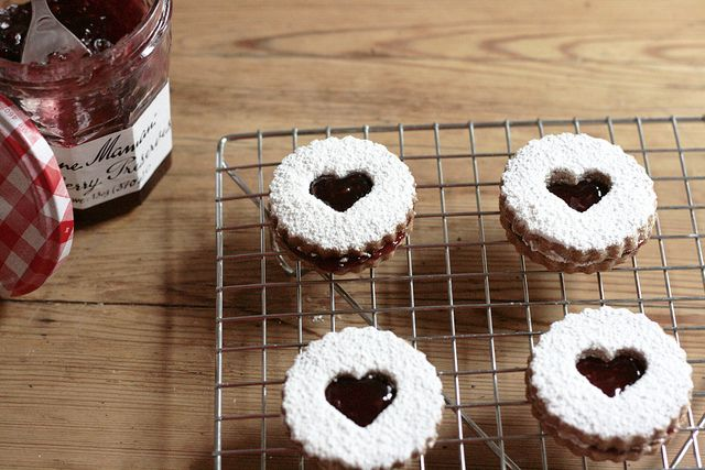 linzer hearts | reading my tea leaves