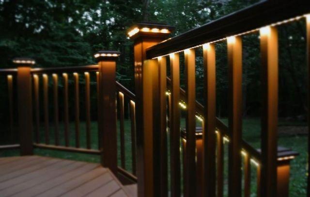 Beleuchtung Aussen Holz Terrasse Geländer Lichterketten