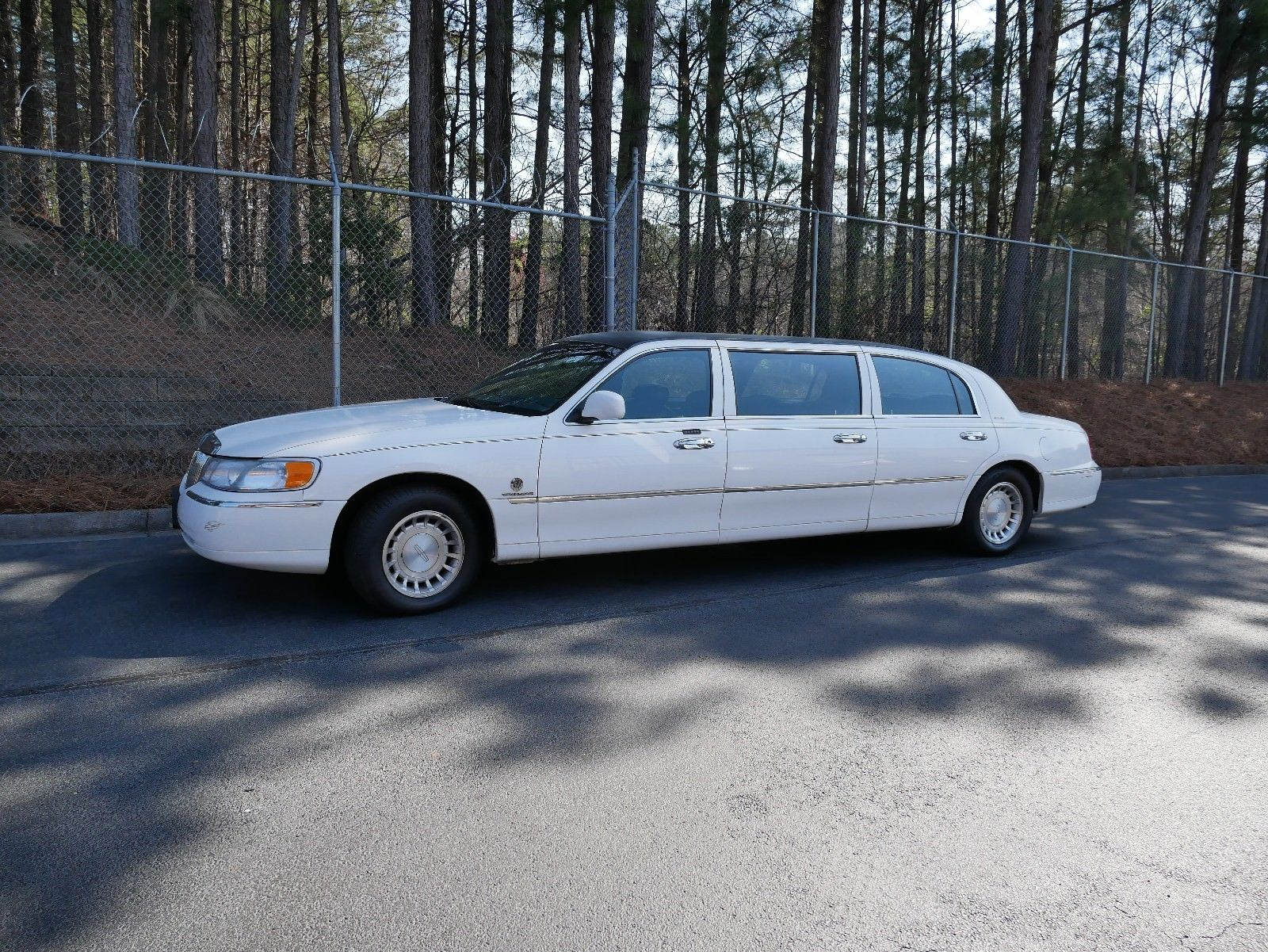 Needs Work 2000 Lincoln Town Car Limousine Limousines For Sale
