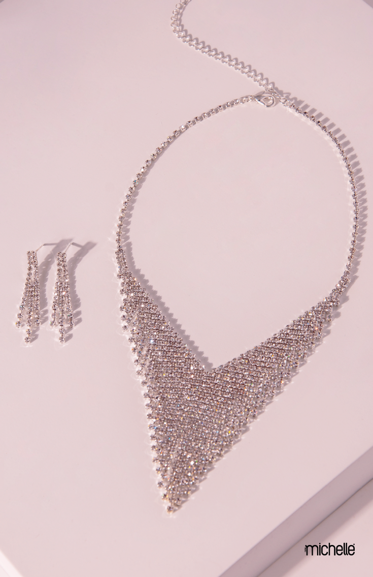 "0275fa71e8b6 Collar estilo ""V"" con aretes largos Base plata Collar  Largo  35 cm ..."