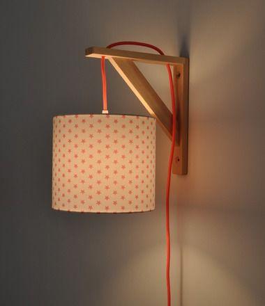 La Lampe Equerre Peut Servir D Applique Murale De Lampe De Chevet
