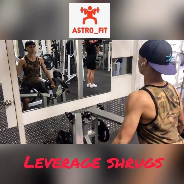 SWIPE>>>>>Traps Workouts 40 seconds rest between sets _______________________________________________________  16 sets of 10 leverage traps shrugs 110lbs 2 6 sets of 10 Smith machine shrugs 90lbs _______________________________________________________ Any questions about a workout comment below or DM me tag a friend who you would do this with  #workouts #gymmotivation #traps #gymworkouts #miami #solidbodiesgym #grind #tired #monday #swipeworkout #trapsworkout #trapsworkout SWIPE>>>>>Traps Workou #trapsworkout