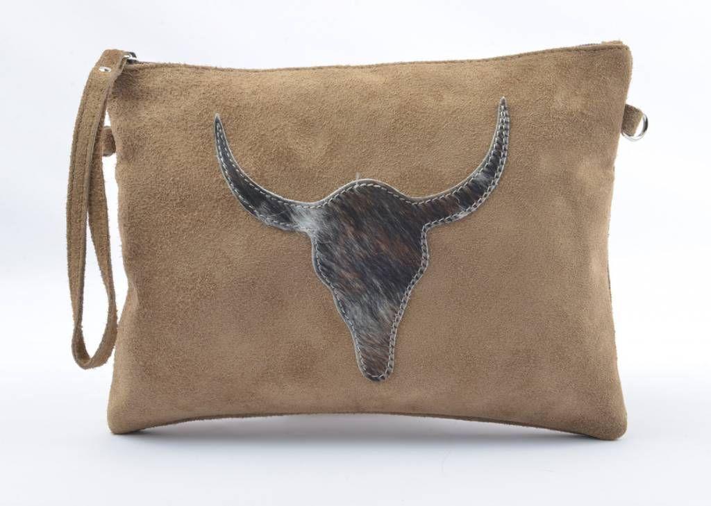 "Tas ""suéde longhorn"" Artikelnummer: 390002  - Cow leather kleur tas - Mooie opdruk - fijn leder  #bags #groothandel #mode #accessoires #fashionaccessories #indinibv #indinimode"