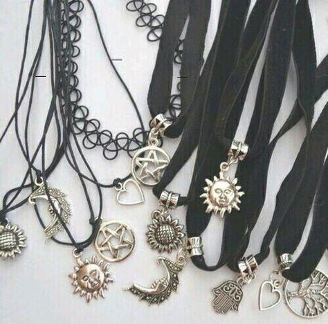 boutique bijoux fantaisie gothique à paris