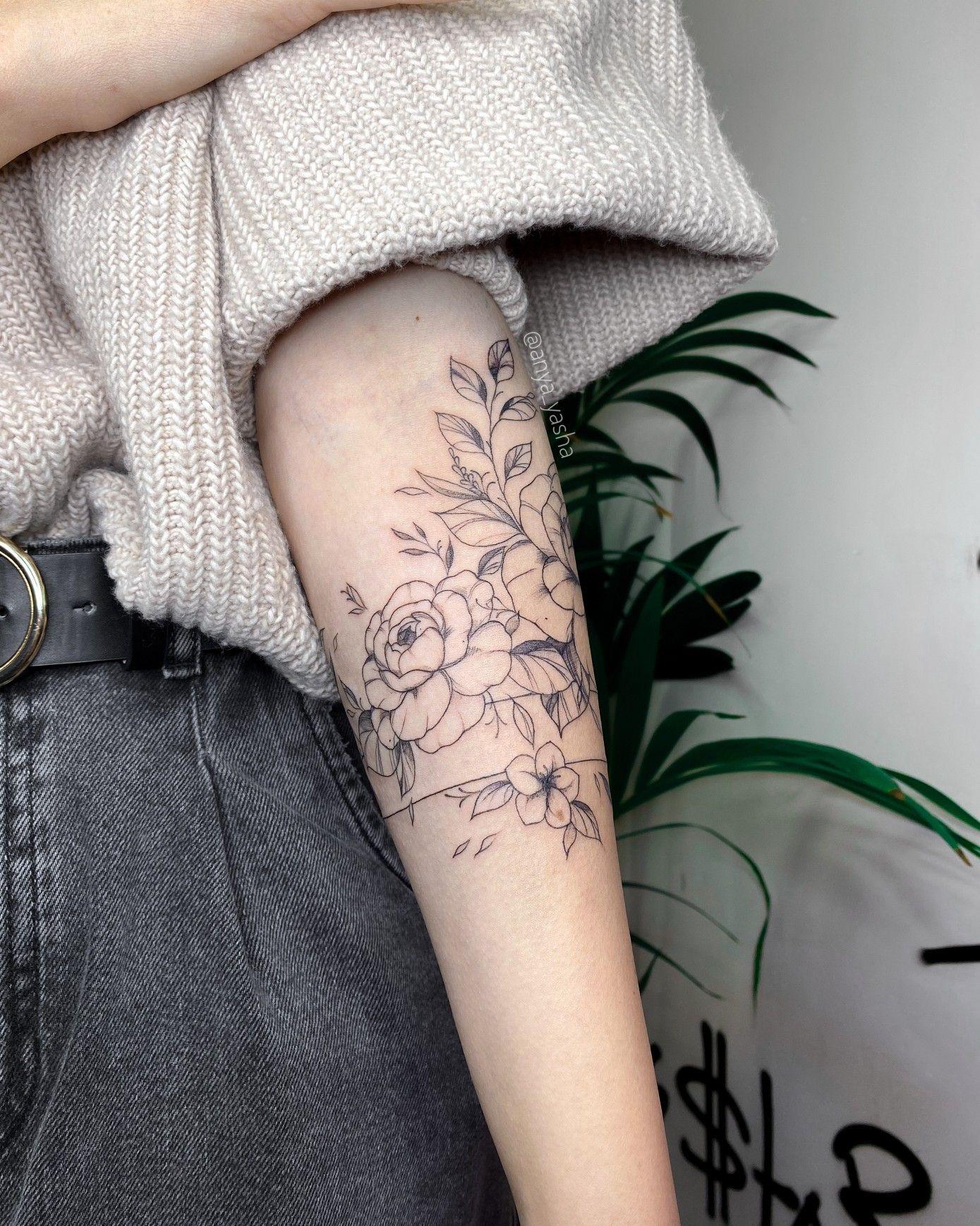 #flowertattoo #finelinetattoo #tattoobracelet #atmtattoo #tattoogirl