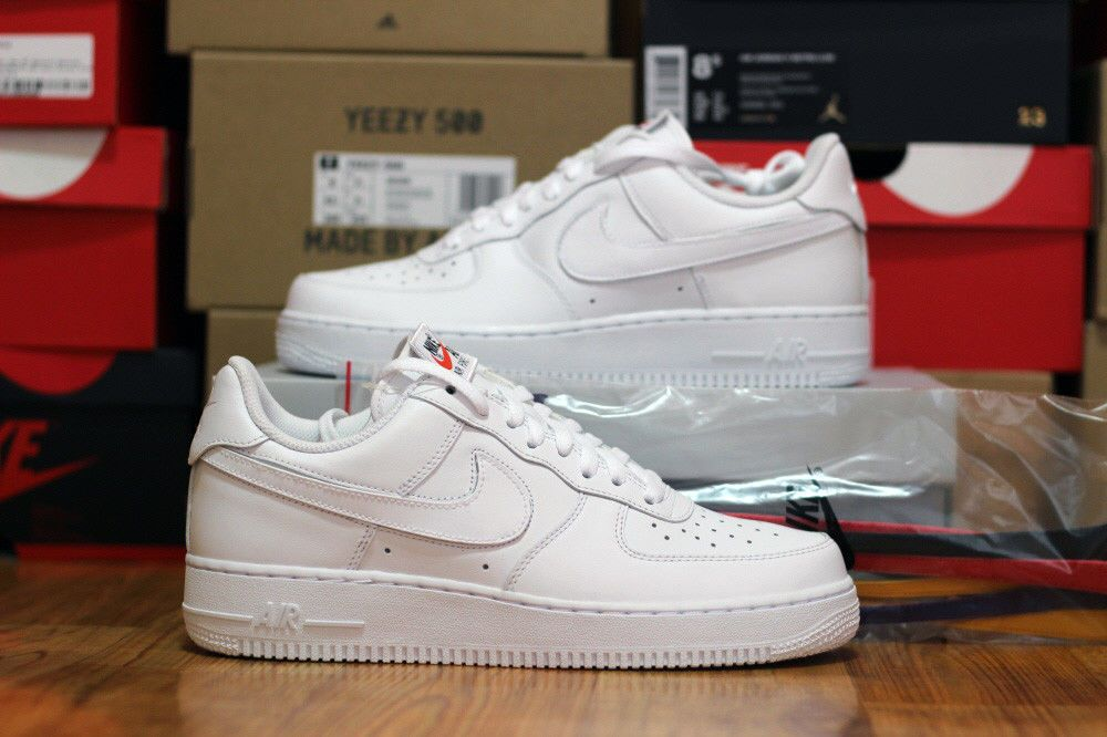 Nike Air Force 1 '07 QS Swoosh Pack Triple White Size 8