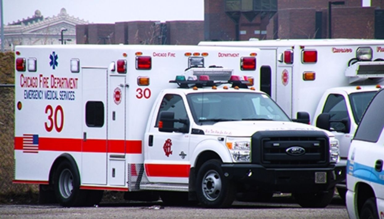 Pin By Tyler Hays On Ford Super Duty 2008 To 2016 Chicago Fire Department Ems Ambulance Ford Super Duty Trucks