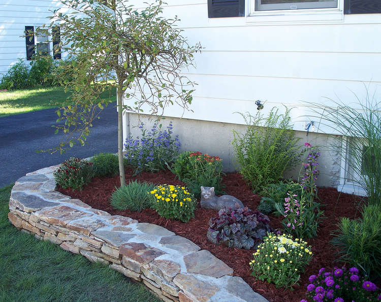 Xeriscape beds download raised flower beds in front of for Flower bed landscaping ideas