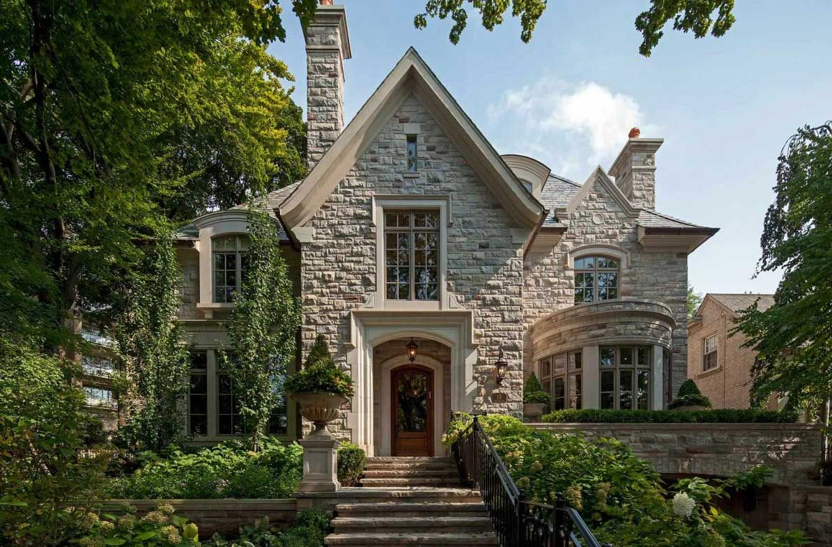 Gorgeous home style from tudor home style with crumbling for Tudor colonial style home