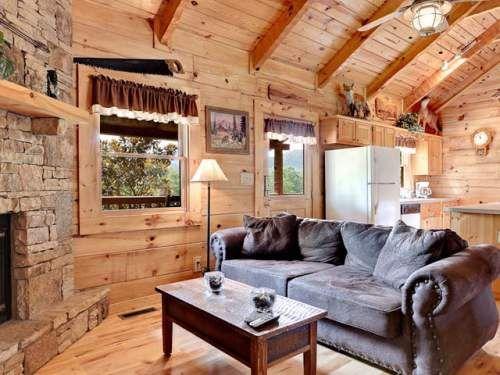 Smoky Creek Cabins: Gone Fishinu0027