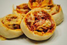 Idee für Füllung: Zweierlei Hefeteig-Pizzaschnecken #hefeteigfürpizza