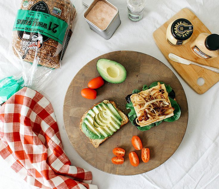 42 Quick And Easy Breakfast Recipes With Just 5: Avocado-Tofu Sandwich + Caramelized Onions... Lunch Is