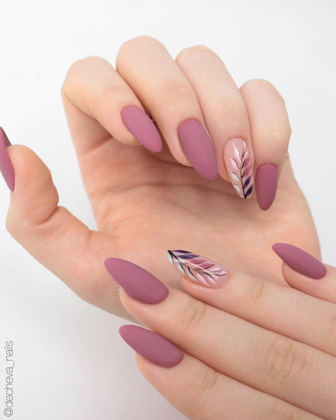 Красивый маникюр розового цвета