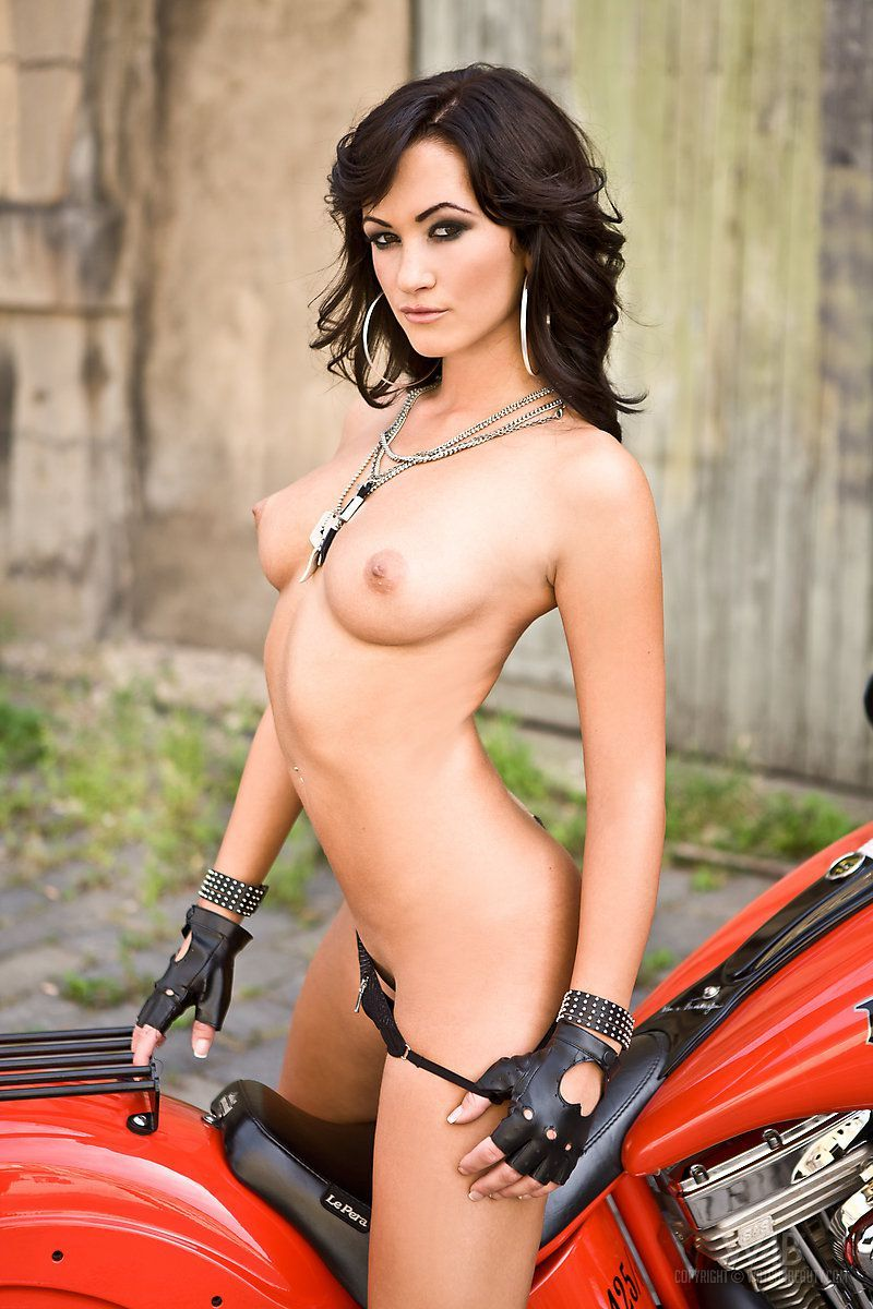 Hot rod babe nude, sexy whipped women drawings