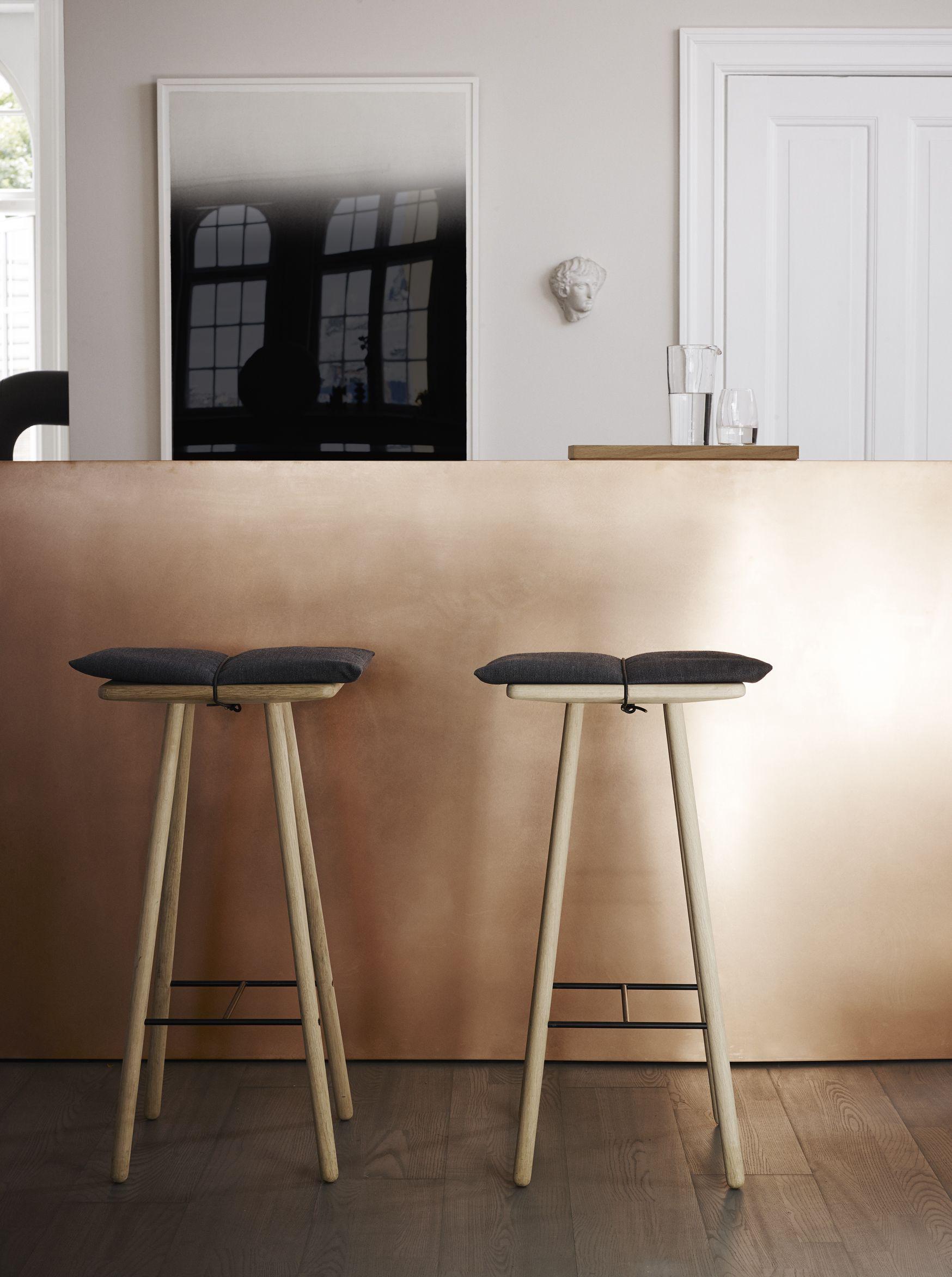 Pin By Amy Butler On Inspiring Interieur Scandinavian Bar Stool Bar Stools Scandinavian Style Furniture