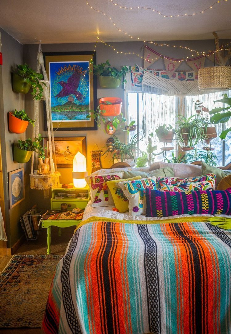 Pin by JA$SY on room. $$ in 2020 | Dreamy room, Chill room ...