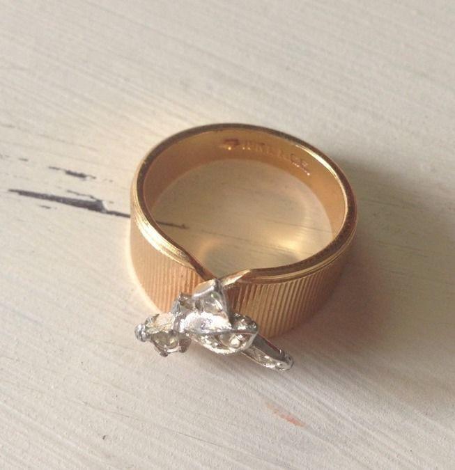 Vintage 18K Yellow Gold Geometric Rhinestone Dragonfly Ring