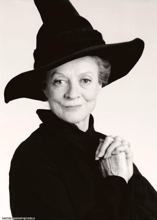 Maggie Smith As Minerva Mcgonagall Harry Potter Filme Harry Potter Elenco Serie Harry Potter