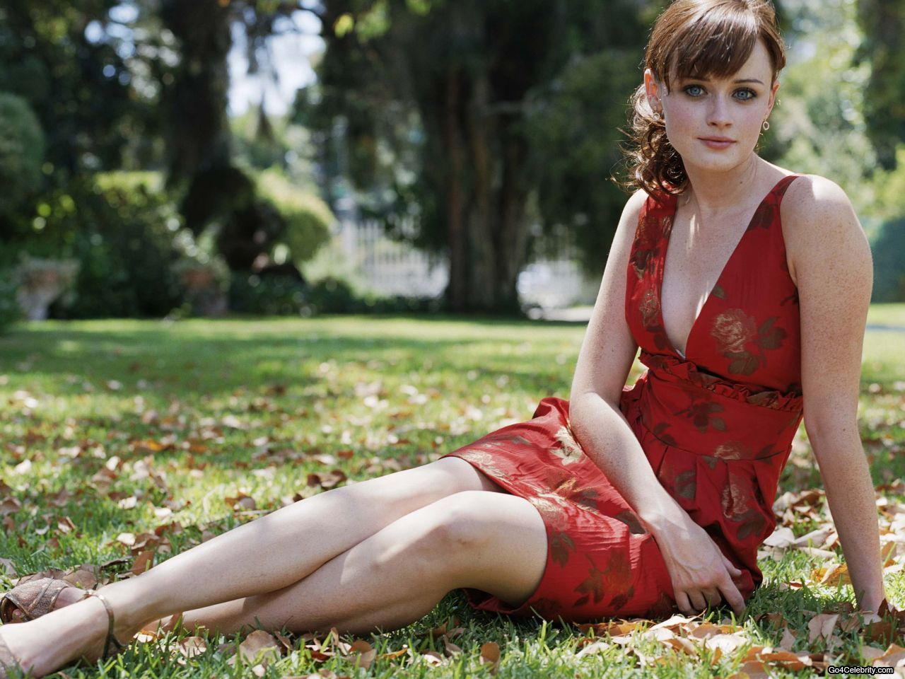 Alexis Bledel Wallpaper Alexis Bledel Schone Rote Kleider Wedding Dress