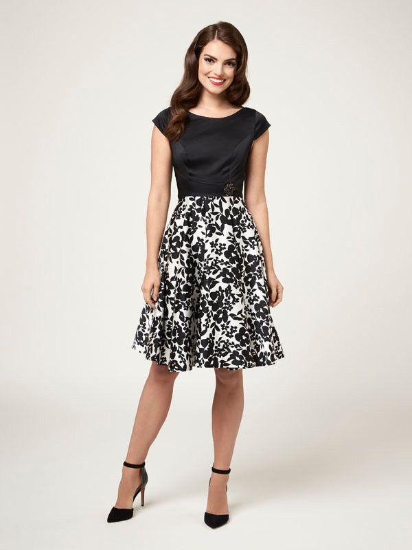 39d6239187e Soiree Floral Dress Review