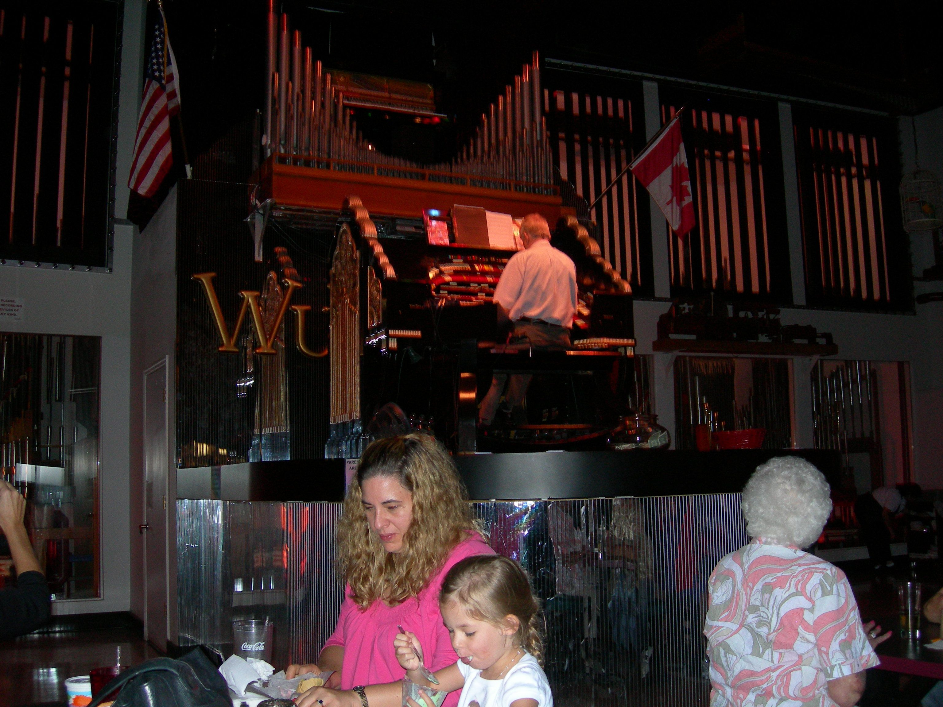 The Mighty Wurlitzer Organ at Pizza and Pipes in Ellenton