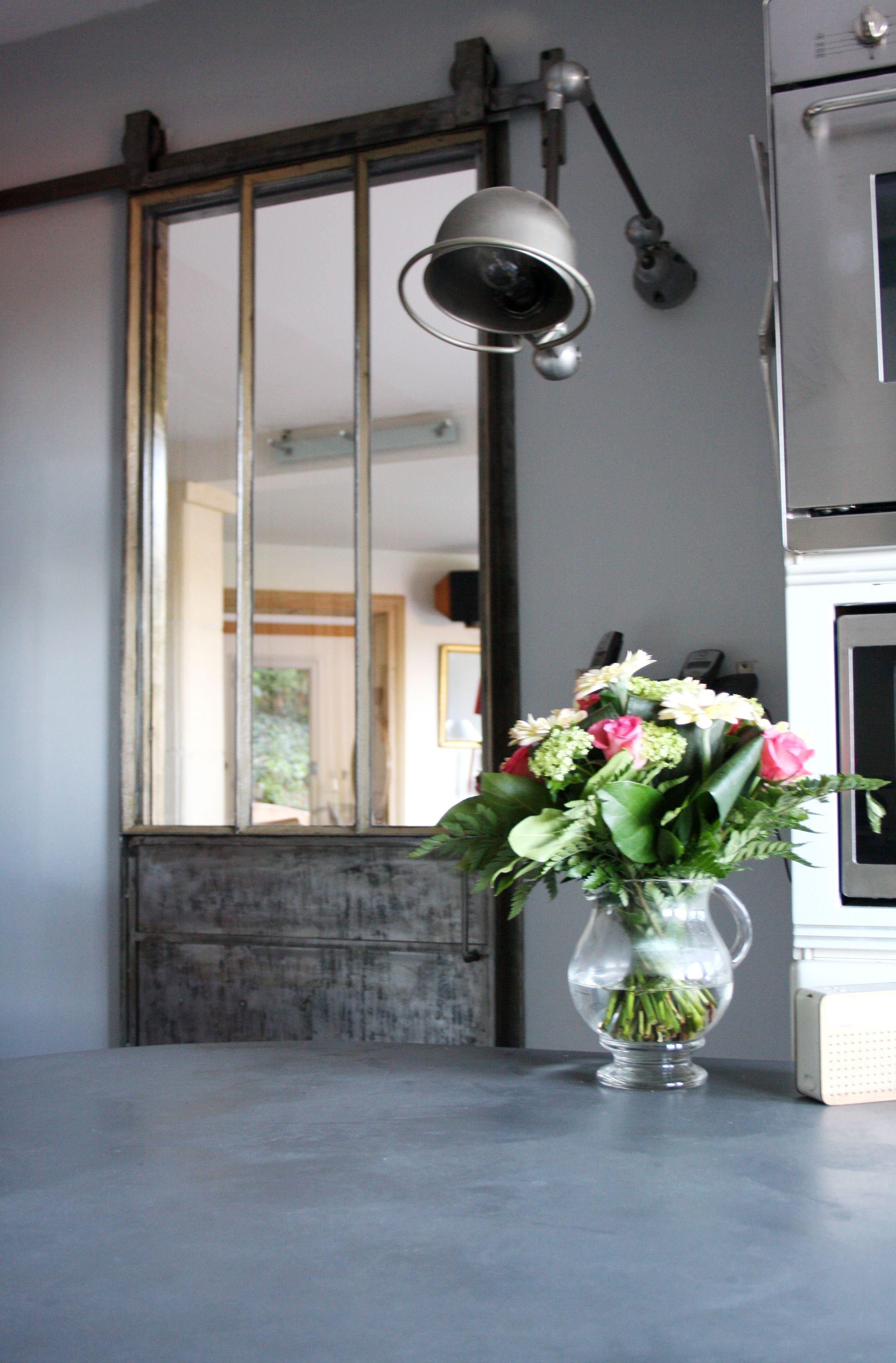 porte en acier type atelier mont s sur rail m tallique. Black Bedroom Furniture Sets. Home Design Ideas