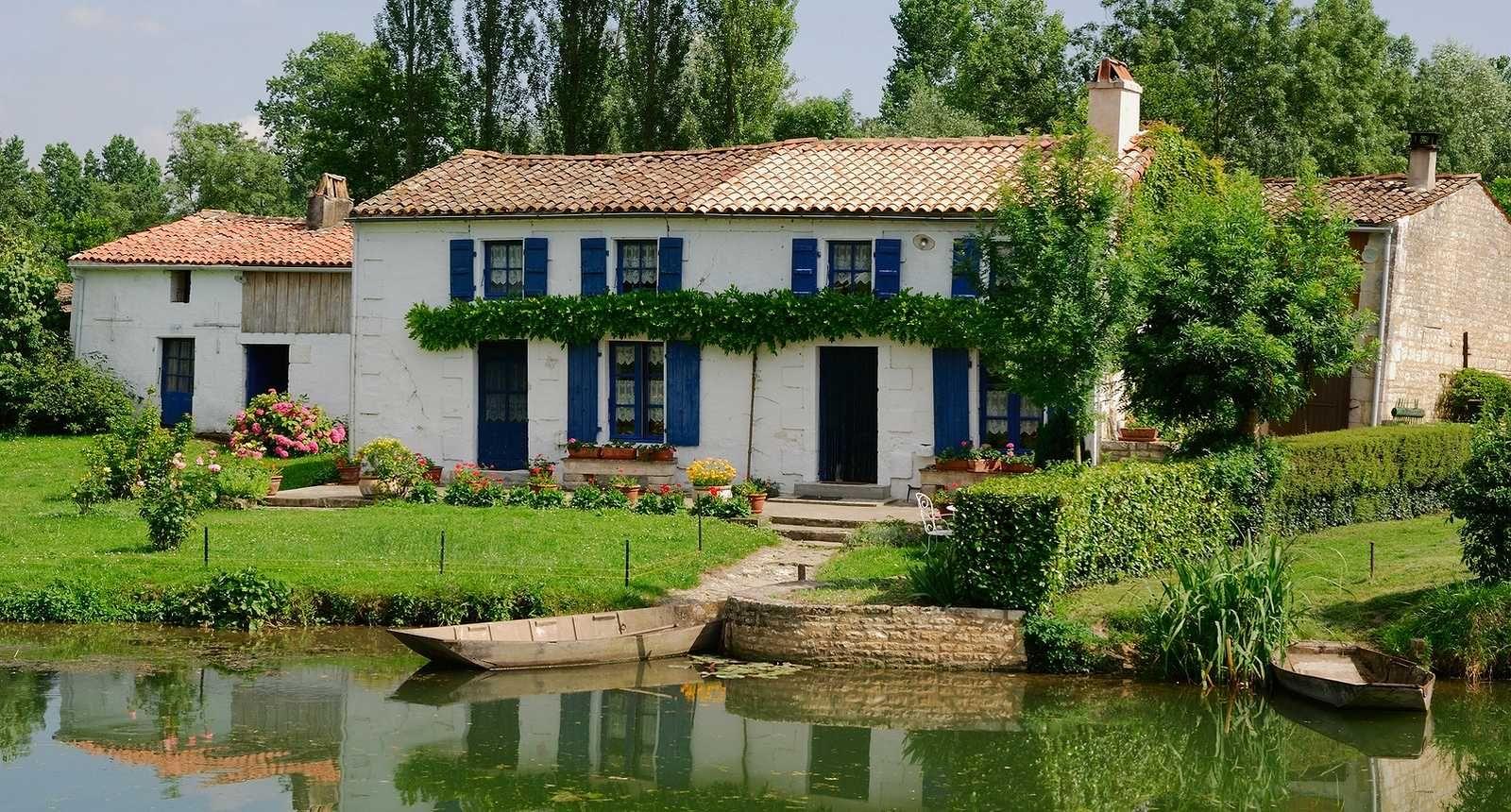 7 maison volets bleu marais poitevin maison id ale ext rieur - Maison ideale ...