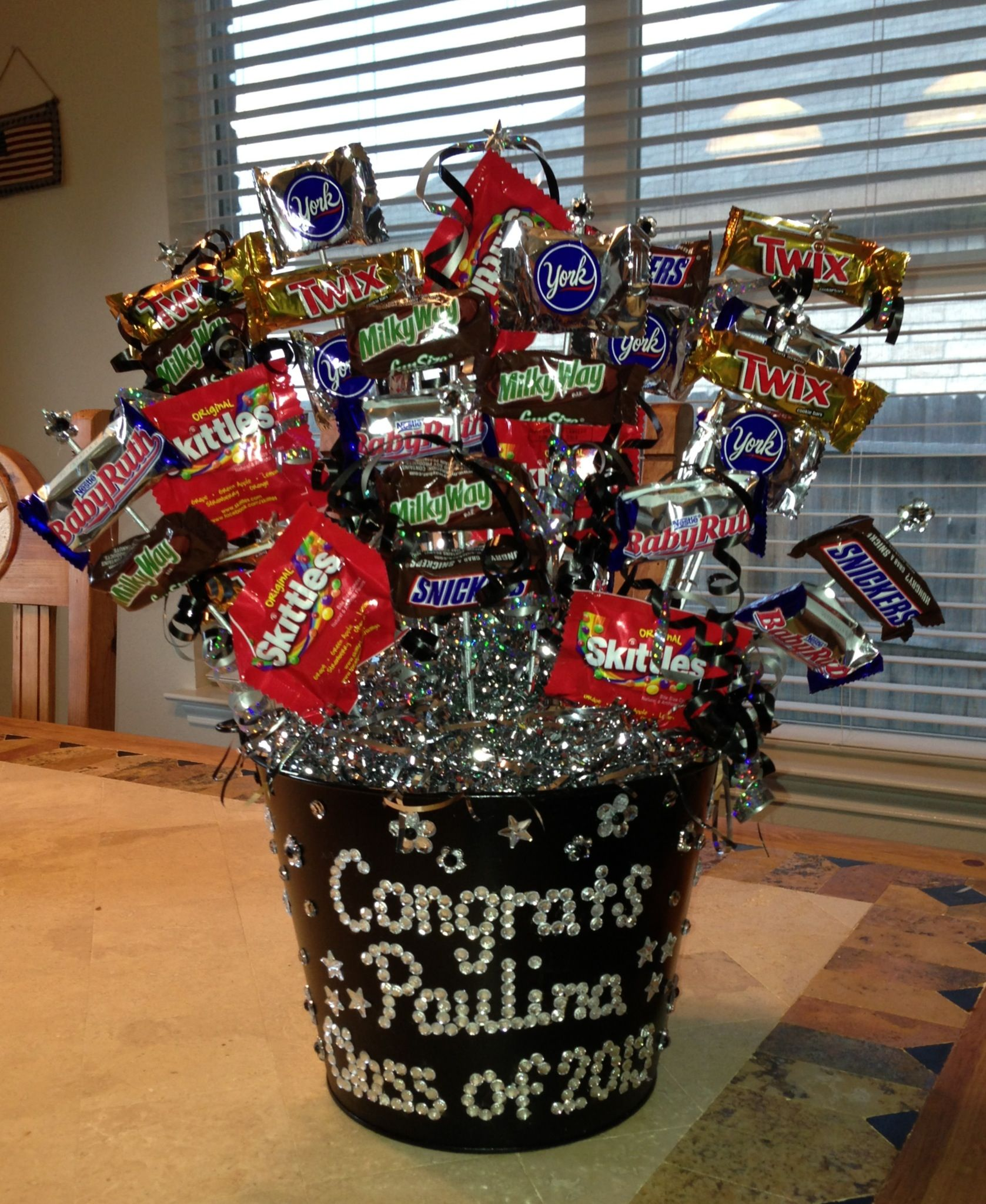 Graduation Candy Centerpieces : Maybe do other things instead of candy money or small