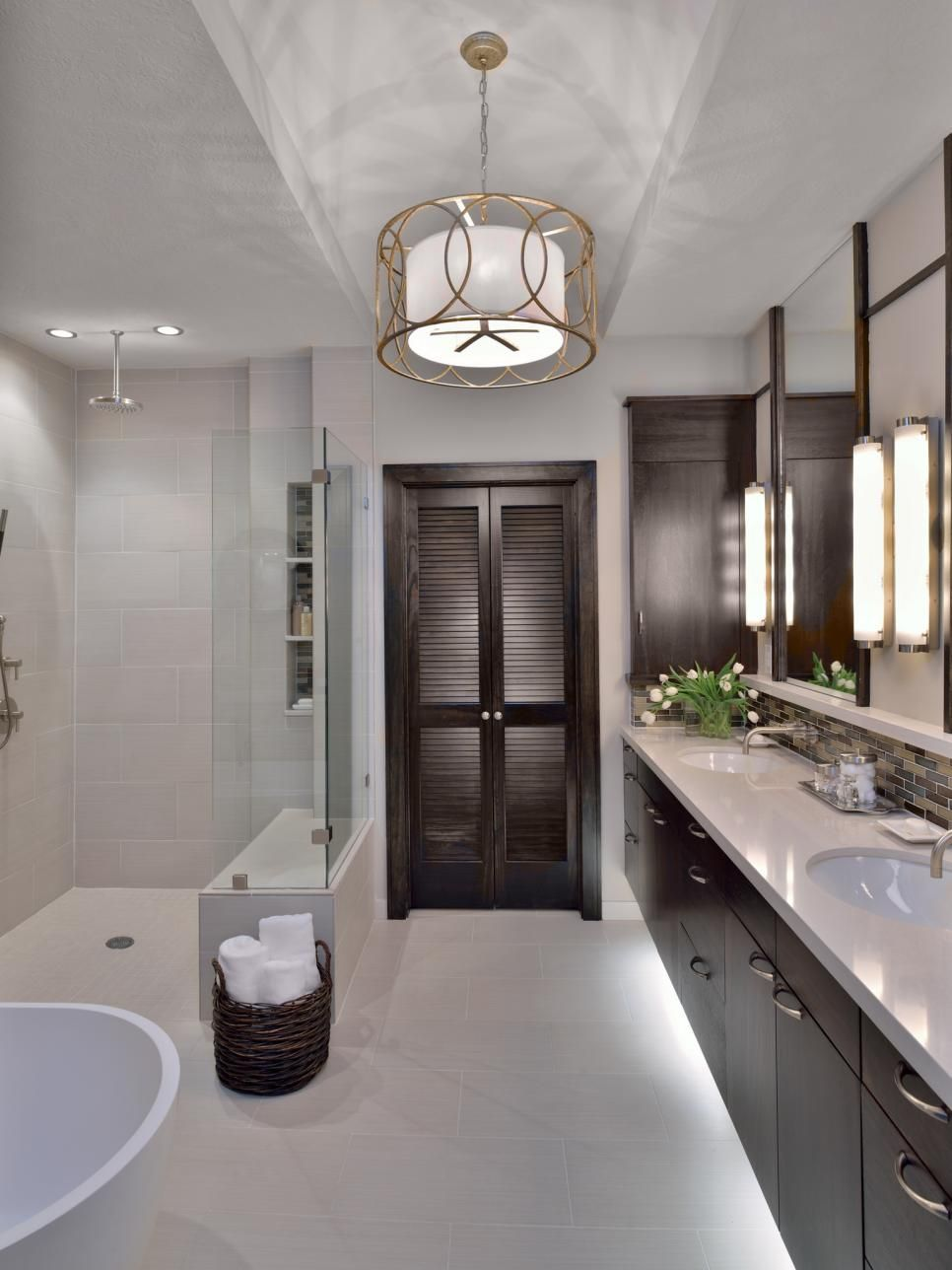 This Bathroom Is Given A Modern Linear Feel Using Neutral