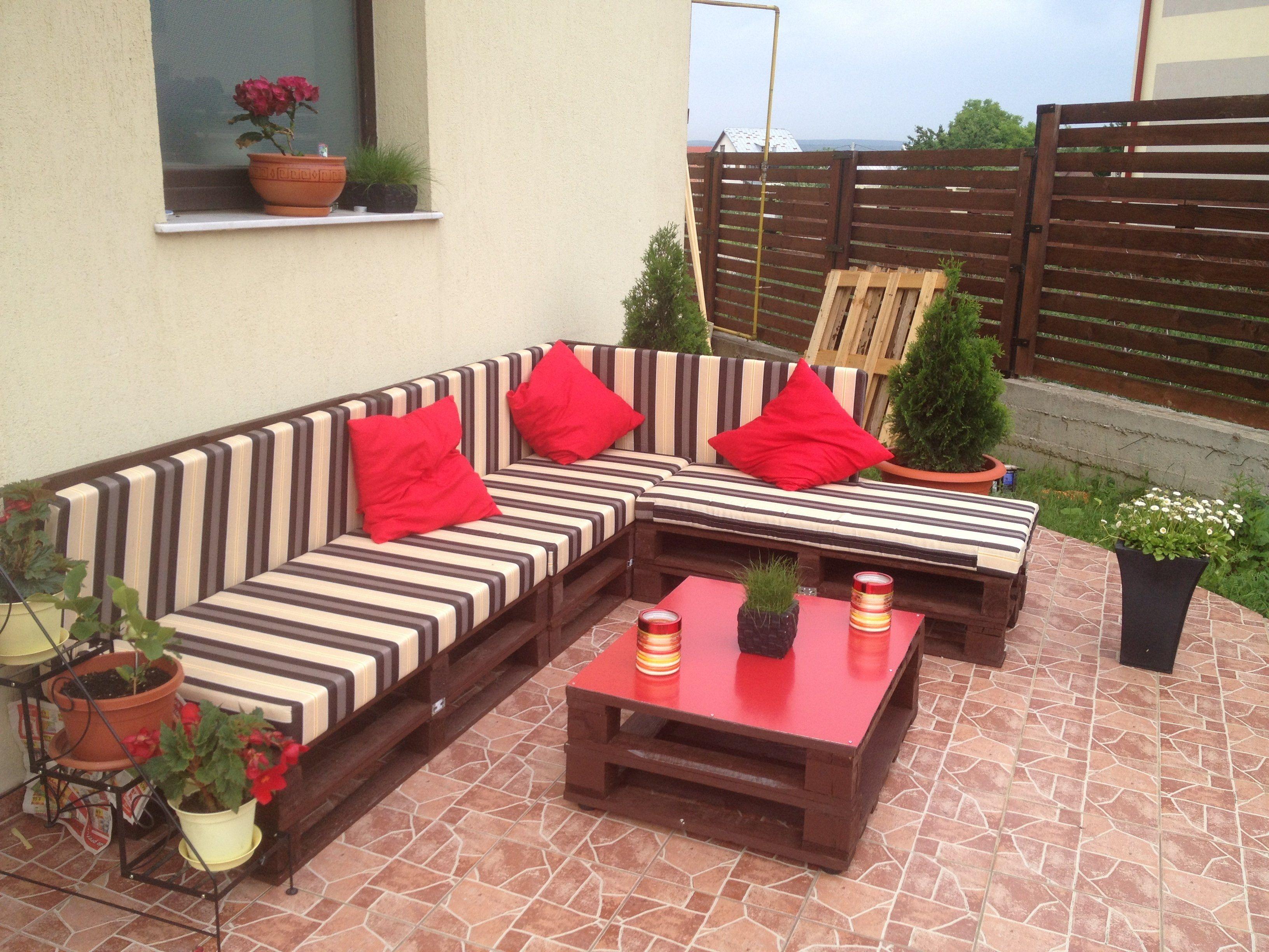 3 Steps To Make This Pallet Sofa | Europaletten möbel, Pergola und ...